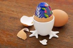 αυγό Πάσχας που χρωματίζε Στοκ Φωτογραφία