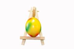 Αυγό Πάσχας easel καλλιτεχνών Στοκ εικόνα με δικαίωμα ελεύθερης χρήσης