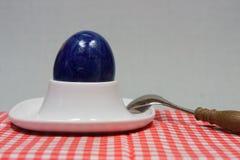 Αυγό Πάσχας eggcup Στοκ φωτογραφίες με δικαίωμα ελεύθερης χρήσης