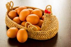 Αυγό σε ένα καλάθι Στοκ Εικόνα