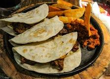 Αυθεντικά μεξικάνικα tacos Στοκ φωτογραφία με δικαίωμα ελεύθερης χρήσης