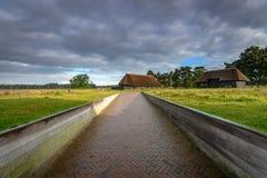 Αυθεντική αγροτική ξύλινη κατασκευή για το καταφύγιο προβάτων Στοκ Εικόνα