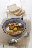 Αυθεντικό ουγγρικό goulash σε μια κατσαρόλα Στοκ Εικόνες