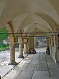 αυλή δικαστηρίων εκκλησιών Στοκ φωτογραφίες με δικαίωμα ελεύθερης χρήσης