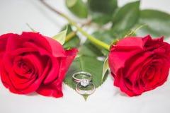 Αυξήθηκε, δαχτυλίδι μαργαριταριών και διαμαντιών Στοκ Εικόνες