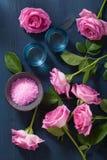 Αυξήθηκε βοτανικό άλας λουλουδιών για τη SPA και aromatherapy Στοκ Εικόνα