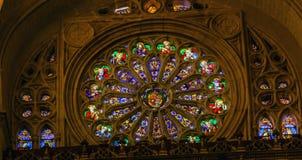 Αυξήθηκε καθεδρικός ναός Τολέδο Ισπανία του Ιησού Coat Arms Stained Glass παραθύρων Στοκ φωτογραφίες με δικαίωμα ελεύθερης χρήσης