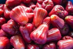 Αυξήθηκε μήλο στην αγορά Στοκ εικόνες με δικαίωμα ελεύθερης χρήσης