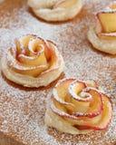 Αυξήθηκε μπισκότα μήλων Στοκ Φωτογραφίες