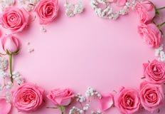 Αυξήθηκε πλαίσιο λουλουδιών στο ρόδινο διάστημα αντιγράφων υποβάθρου στοκ εικόνες