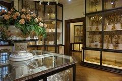 Αυξήθηκε φρούτα και όμορφο εσωτερικό στην αυτοκρατορική ασημένια συλλογή στο Hofburg στοκ φωτογραφία με δικαίωμα ελεύθερης χρήσης