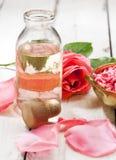 Αυξήθηκε aromatherapy προϊόντα Στοκ Φωτογραφία