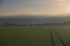 Αυξανόμενη θύελλα πέρα από Grubenhagen Στοκ εικόνα με δικαίωμα ελεύθερης χρήσης