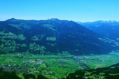 Αυστρία: Ανεμόπτερο επάνω από Hochfà ¼ GEN σε Zillertal, Tirol Στοκ Φωτογραφίες