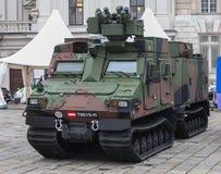 Αυστρία  Βιέννη  Στις 21 Οκτωβρίου 2018  Το τεθωρακισμένο όχημα μεταφοράς προσωπικού των αυστριακών Ένοπλων Δυνάμεων στη εθνική μ στοκ φωτογραφία