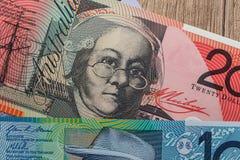 Αυστραλιανό νόμισμα στο γραφείο Στοκ φωτογραφίες με δικαίωμα ελεύθερης χρήσης