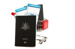 Αυστραλιανά διαβατήριο και ταξιδιωτικά έγγραφα Στοκ φωτογραφία με δικαίωμα ελεύθερης χρήσης