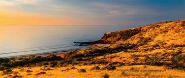 Αυστραλιανή ακτή στο ηλιοβασίλεμα Στοκ Εικόνες