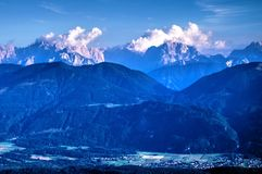 Αυστριακές Άλπεις σε Carinthia, μεταξύ της Αυστρίας και της Ιταλίας στοκ εικόνες