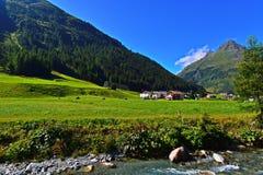 Αυστριακή θαυμάσια εικόνα του Τυρόλου του καλοκαιριού στοκ φωτογραφίες