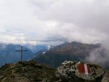 Αυστριακός σταυρός συνόδου κορυφής στοκ εικόνες με δικαίωμα ελεύθερης χρήσης