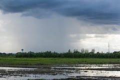 Ερχόμενη βροχή Στοκ εικόνες με δικαίωμα ελεύθερης χρήσης