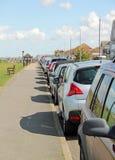 αυτοκίνητα που σταθμεύουν Στοκ Εικόνες
