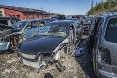Αυτοκίνητα συντριμμιών σε ένα ναυπηγείο απορρίματος Στοκ εικόνα με δικαίωμα ελεύθερης χρήσης