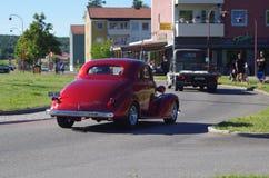 Αυτοκίνητα Oldtimer σε στο κέντρο της πόλης Rättvik, 30 06 2018 Στοκ Εικόνες