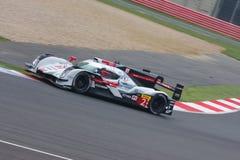 Αυτοκίνητο αριθμός 2 Audi R18 ε -ε-tron που ανταγωνίζεται στις 6 ώρες Silverstone στοκ εικόνα με δικαίωμα ελεύθερης χρήσης