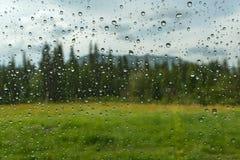 Αυτοκίνητο βροχής παραθύρων πτώσεων νερού Στοκ εικόνα με δικαίωμα ελεύθερης χρήσης