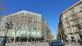 Αυτοκίνητο καμερών της Βαρκελώνης Paseo de Gracia Boulevard φιλμ μικρού μήκους