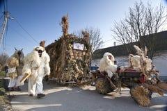Αυτοκίνητο καρναβαλιού με το μασκφόρο Στοκ Φωτογραφία
