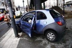αυτοκίνητο που συντρίβεται Στοκ εικόνες με δικαίωμα ελεύθερης χρήσης