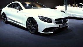 Αυτοκίνητο πολυτέλειας Coupe s-κατηγορίας της Mercedes-Benz απόθεμα βίντεο