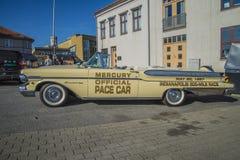 1957 αυτοκίνητο ρυθμών ταχύπλοων σκαφών φραγμών υδραργύρου μετατρέψιμο Στοκ Εικόνες