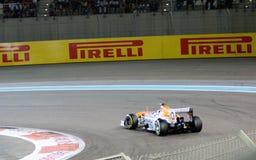 Αυτοκίνητο Σαχάρας F1, στροφή καρφιτσών τρίχας & επιτάχυνση Στοκ φωτογραφία με δικαίωμα ελεύθερης χρήσης