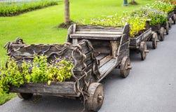 Αυτοκίνητο σε δοχείο Στοκ εικόνα με δικαίωμα ελεύθερης χρήσης