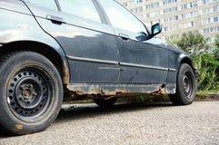αυτοκίνητο σκουριασμέν&o Στοκ εικόνα με δικαίωμα ελεύθερης χρήσης