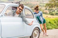 αυτοκίνητο σπασιμάτων κάτ&o στοκ φωτογραφίες με δικαίωμα ελεύθερης χρήσης