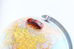 Αυτοκίνητο στον παγκόσμιο χάρτη Στοκ εικόνες με δικαίωμα ελεύθερης χρήσης