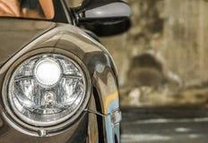 Αυτοκίνητο στο γκαράζ Στοκ Φωτογραφία