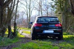 Αυτοκίνητο στο μικρό δρόμο Στοκ εικόνα με δικαίωμα ελεύθερης χρήσης