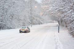 Αυτοκίνητο στο χιόνι Στοκ Φωτογραφίες