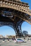 Αυτοκίνητο της αστυνομίας στο Παρίσι στοκ εικόνα με δικαίωμα ελεύθερης χρήσης