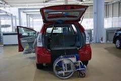 2017 αυτοκίνητο της Toyota με μια αναπηρική καρέκλα επιλογής Ιαπωνία Στοκ φωτογραφίες με δικαίωμα ελεύθερης χρήσης