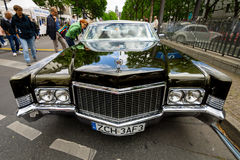 Αυτοκίνητο Cadillac Coupe de Ville, 1970 πολυτέλειας φυσικού μεγέθους Στοκ εικόνες με δικαίωμα ελεύθερης χρήσης