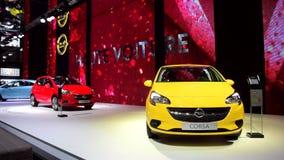 Αυτοκίνητο Corsa Hatchback Opel φιλμ μικρού μήκους
