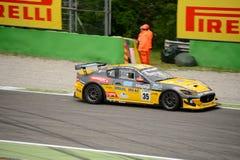 Αυτοκίνητο MC Trofeo Maserati GT4 που συναγωνίζεται σε Monza Στοκ φωτογραφία με δικαίωμα ελεύθερης χρήσης