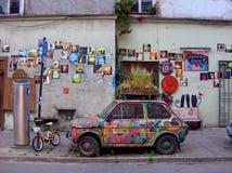 Αυτοκίνητο plantpot στοκ εικόνες